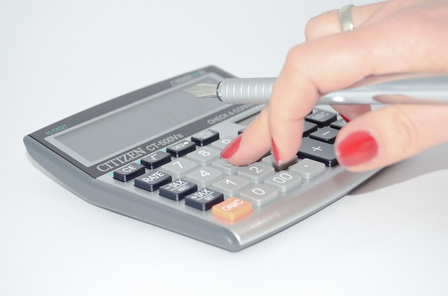 Calculating Rates: Hourly vs  Project-based