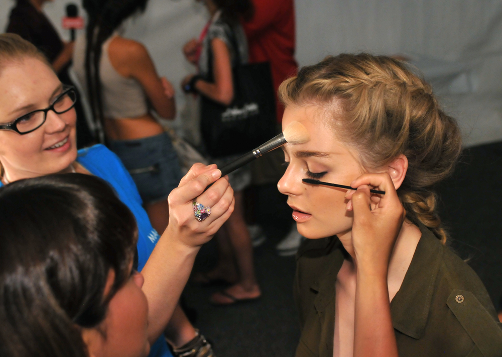 A freelancer makes fashion week beautiful, one face at a time